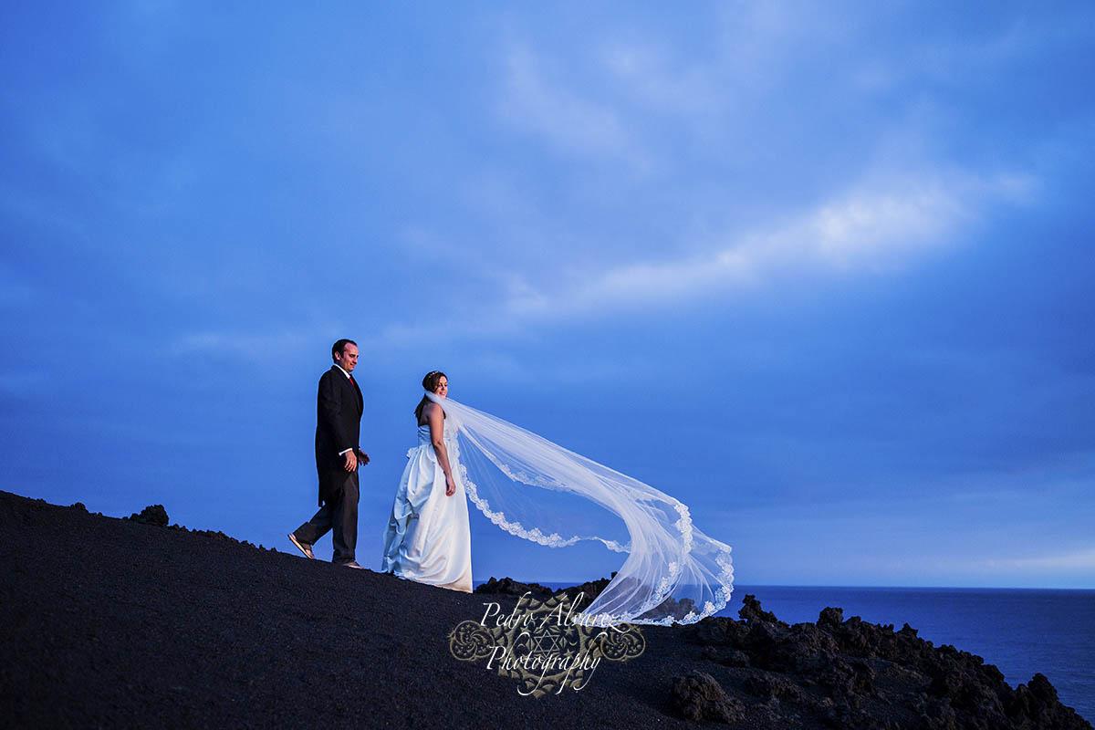 Post boda en la palma de teresa y yeray entre volcanes y estrellas fotografos de bodas en - Fotografo las palmas ...